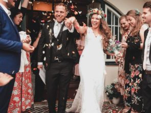 Prezenty ślubne i komunijne a podatek od darowizny