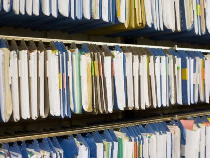 Dostarczanie dokumentów podczas wakacji